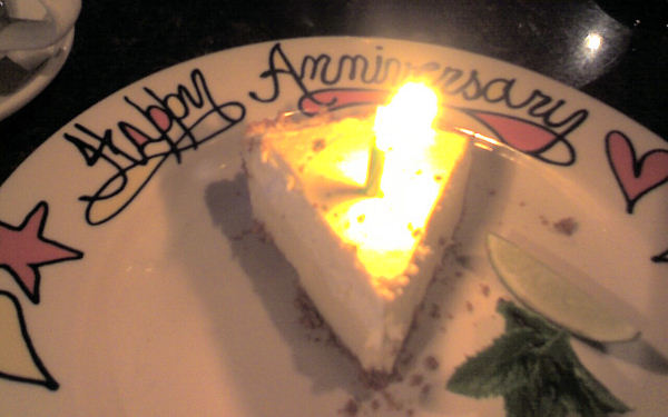 Anniversary_key_lime_pie
